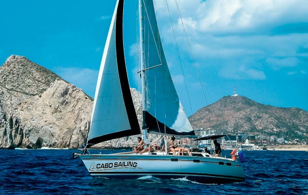 Snorkeling in Cabo with private boat